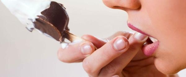 Как избавиться от оскомины (чувствительности зубов)?